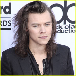 Harry Styles Thanks One Direction Fans on Band's Six Year Anniversary