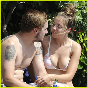 Kendall Schmidt & Micaela Von Turkovich Spend The Day Poolside in Italy