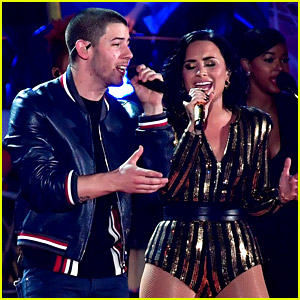 Nick Jonas & Demi Lovato Perform 'America the Beautiful' on Fourth of July (Video)