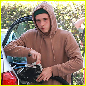 Brooklyn Beckham Sees Adele's '25' World Tour!