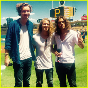 Harletson Sings the National Anthem at the Dodgers Game - Watch Now!
