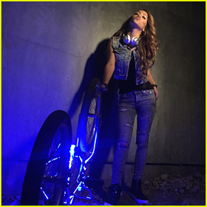 Skylar Stecker Drops 'Let It Show' Music Video - See New BTS Pics Here!