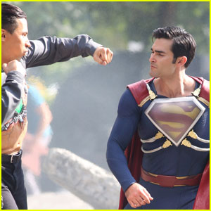 Tyler Hoechlin Fights a Villain as Superman!