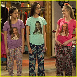 Amelia Goes Overboard During a Sleepover on 'Bizaardvark'