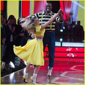 Calvin Johnson & Lindsay Arnold Dance a 'Family Matters' Foxtrot - 'DWTS' Pics!