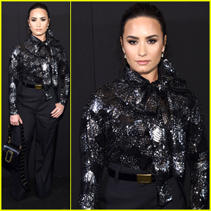 Demi Lovato Keeps It Classic in Black For Marc Jacobs NYFW Show