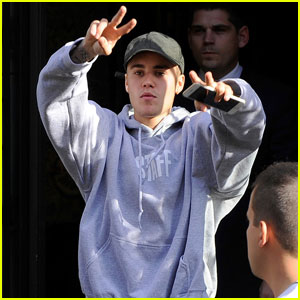 Justin Bieber Enjoys Paris Before Norway 'Purpose Tour' Show