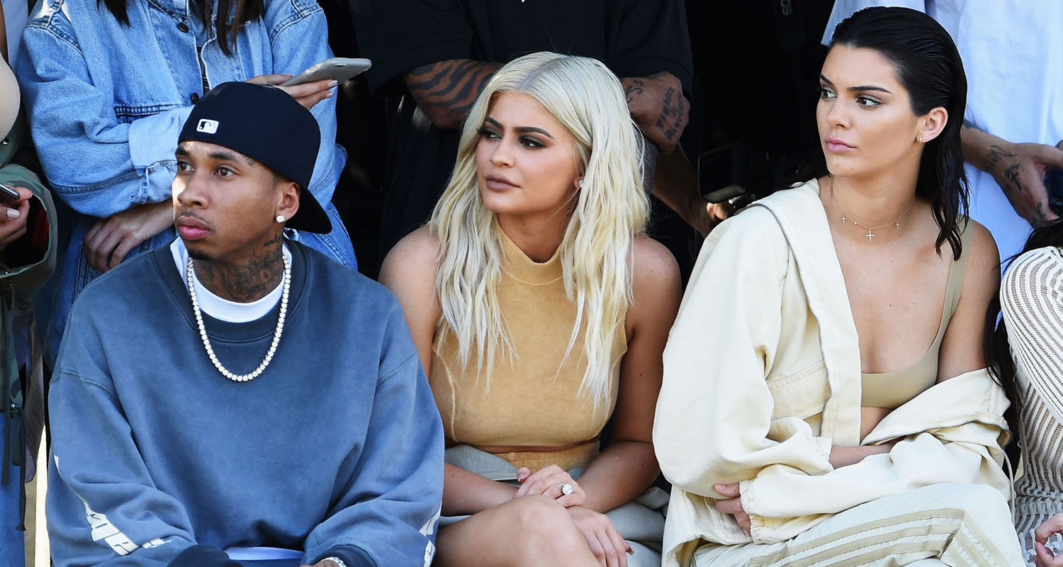 Runway Show Jenner Kylieamp; 'yeezy' In The Kendall Walk Fashion kN8nPO0wX