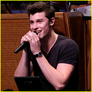 Shawn Mendes Performs Justin Bieber Parody, Sings 'Mercy' Live (Video)