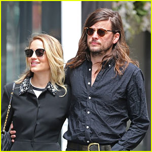 Dianna Agron & Winston Marshall Are Married!