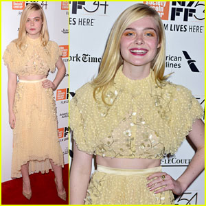 Elle Fanning Shows Off Infectious Smile at '20th Century Women' Premiere
