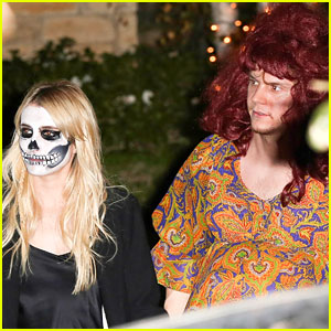 Emma Roberts Evan Peters Dress Up For Halloween 2016 Halloween Emma Roberts Evan Peters Just Jared Jr