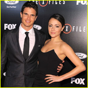 Italia Ricci Opens Up About 'Cinderella Wedding' to Robbie Amell