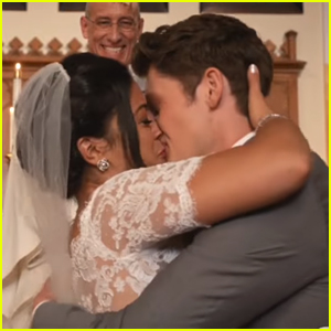 Celebrate Jane & Michael's Love Ahead of 'Jane The Virgin' Season 3 Premiere