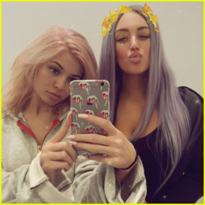 Kylie Jenner Dyes Her Hair Again, Goes Rose Gold!