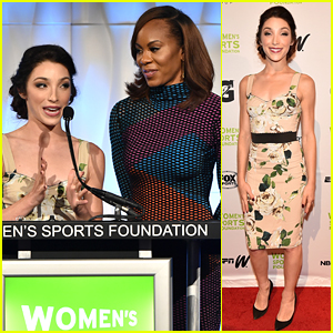 Meryl Davis Honors Water Polo Olympian Ashleigh Johnson at Salute To Women In Sports Gala 2016