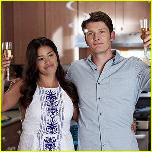 Jane & Michael's Housewarming Party Goes Awry on Tonight's 'Jane the Virgin'