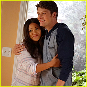 Gina Rodriguez Opens Up About Jane Finally Losing Her Virginity on 'Jane The Virgin'