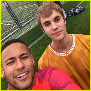 Justin Bieber Takes Breaks from 'Purpose' Tour to Play Soccer!