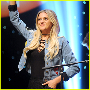 Kelsea Ballerini Honors Veterans at CBS Radio's 'Stars and Strings' Concert