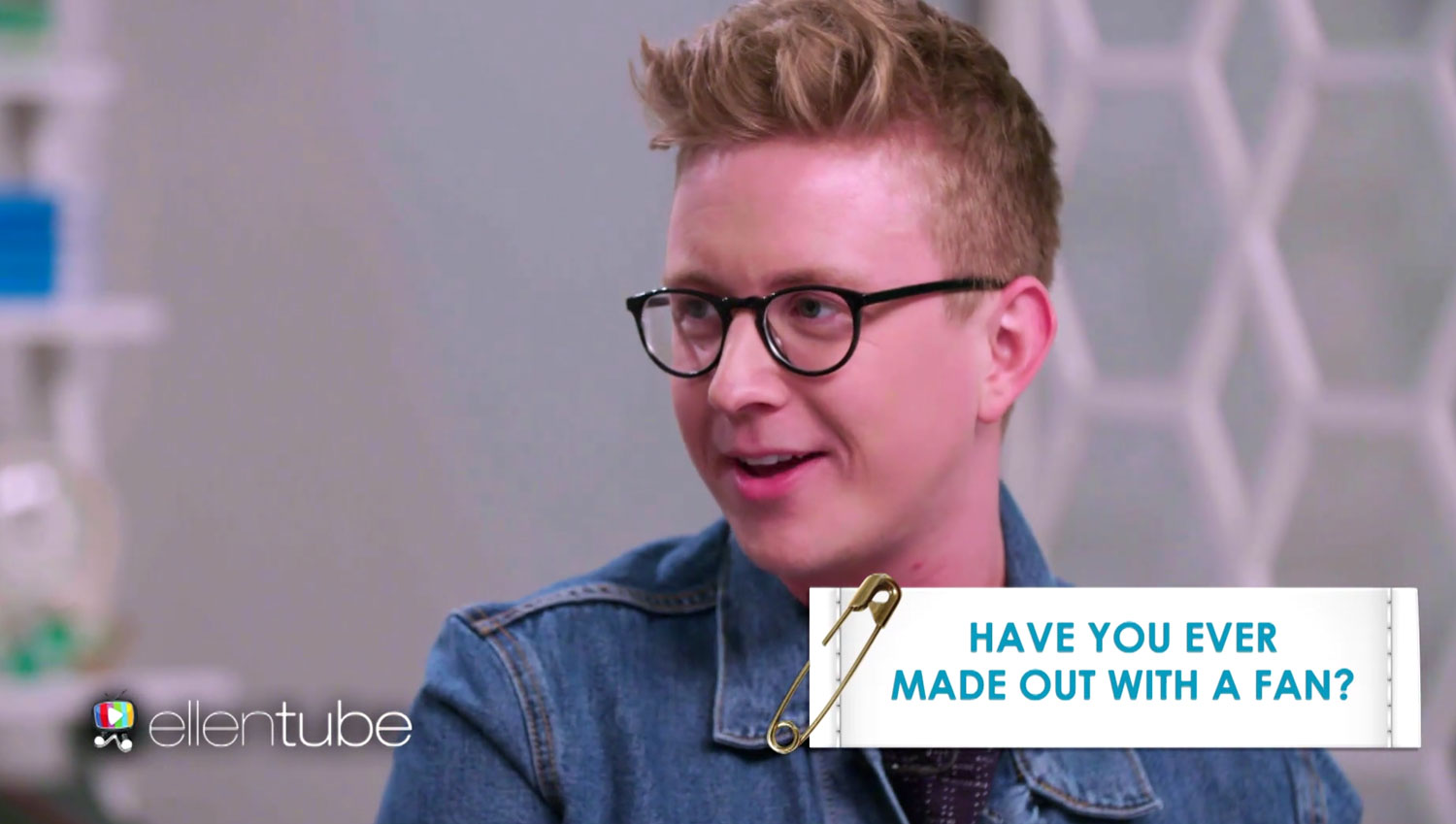 Has Tyler Oakley Ever Made Out With A Fan Carrie Underwood Tyler