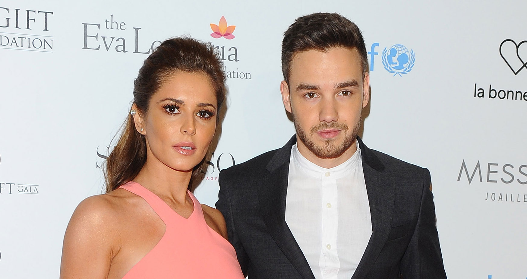 liam payne finally follows pregnant girlfriend cheryl cole on instagram cheryl cole liam. Black Bedroom Furniture Sets. Home Design Ideas