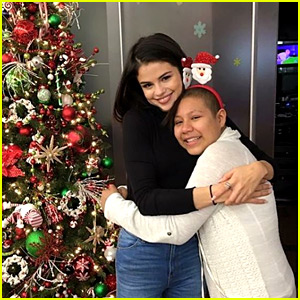 Selena Gomez Visits Children's Hospital to Cheer Up Kids on Christmas Eve!