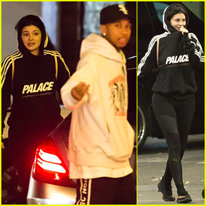 Kylie Jenner & Tyga Go On Double Date For Burgers!