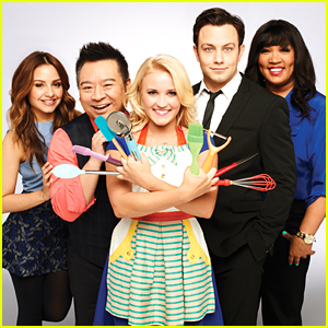 JJJ's Fave Show 'Young & Hungry' Gets More Episodes For Fifth Season!