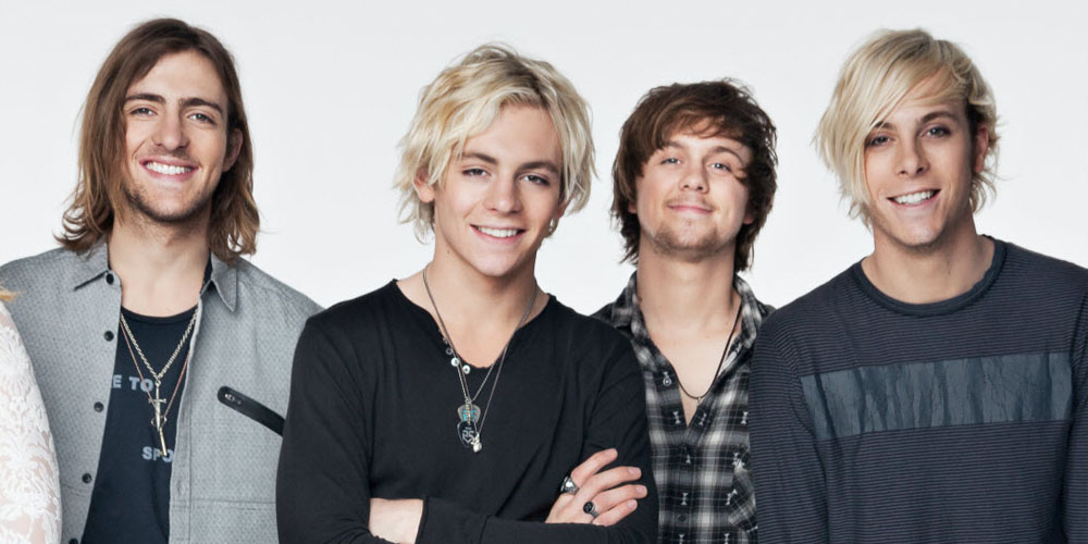 ross lynch officially has bangs see the r5 guys new hairstyles