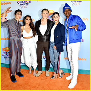 Becky G & Her 'Power Rangers' Cast Almost Got Slimed at the KCAs 2017!