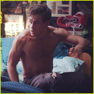 'Power Rangers' Star Dacre Montgomery Goes Shirtless In New Movie Still