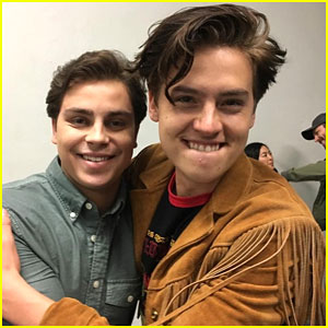 Cole Sprouse Meets Up With Jake T. Austin at WonderCon!