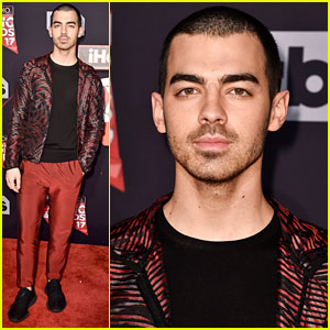 Joe Jonas Goes Solo Without DNCE at iHeartRadio Music Awards 2017