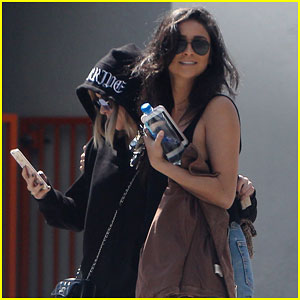 Shay Mitchell & Ashley Benson Grab Lunch Together Before 'Pretty Little Liars' PaleyFest Event