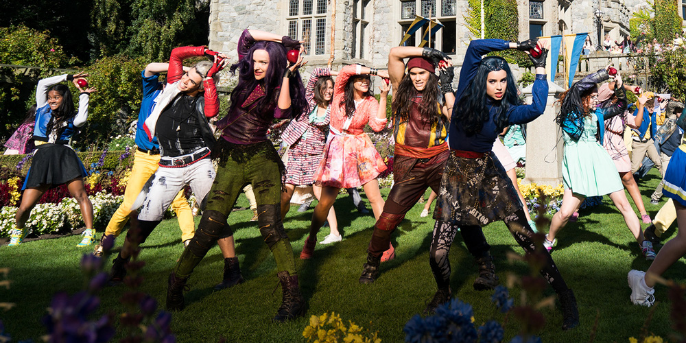 Descendants 2 Cast Confirmed To Perform On Dancing With
