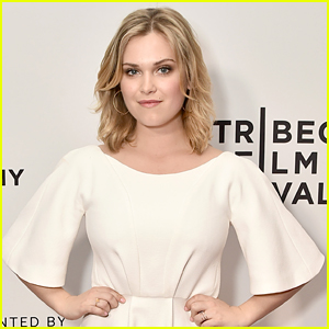 Eliza Taylor's Fans Surprised Her In The Best Way at the 'Thumper' Movie Premiere