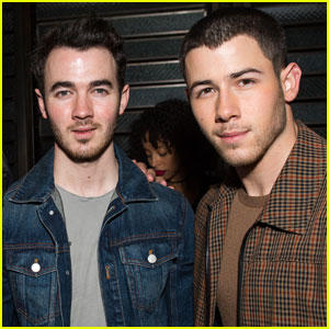 Nick & Kevin Jonas Have a Brotherly Night Out!
