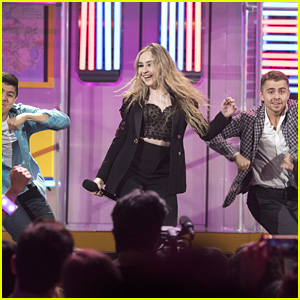 Sabrina Carpenter Recreates 'Thumbs' Music Video For RDMAs 2017