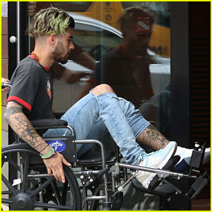 Zayn Malik Hangs Out With Gigi Hadid After Apparent Leg Injury