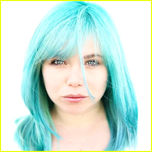 Last Man Standing's Amanda Fuller Dyed Her Hair Aquamarine Blue For The Most Empowering Reason