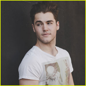 Famous in Love's Charlie DePew Lost 'Riverdale' Role to KJ Apa