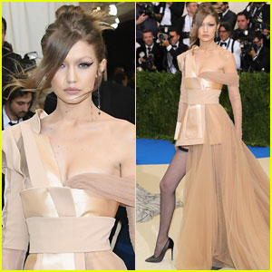 Gigi Hadid Stuns in Tommy Hilfiger on Met Gala 2017 Red Carpet