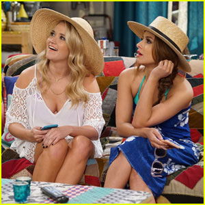 Gabi & Sofia Desperately Want to Be Bridesmaids on Tonight's 'Young & Hungry'