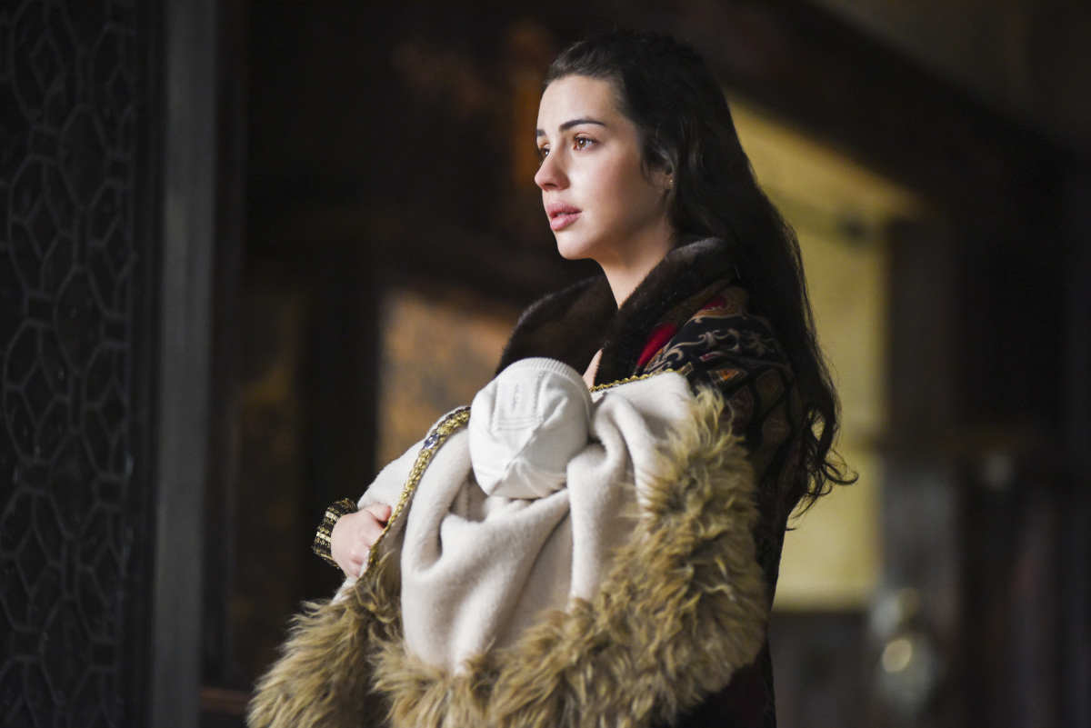 Reign Recap Mary Did The Ultimate Thing For Her Newborn Son