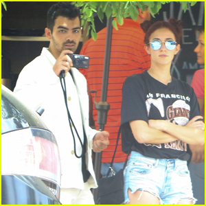 Joe Jonas Grabs Lunch With Friend Dani Vitale