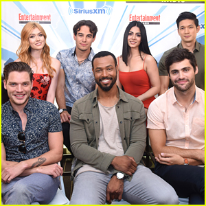 Shadowhunters' Katherine McNamara & Dominic Sherwood Spill on Sebastian at Comic-Con 2017