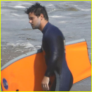 Taylor Lautner Hits The Waves After Billie Lourd Split