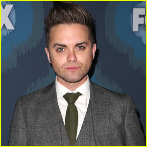 Former 'Secret Circle' Star Thomas Dekker Publicly Comes Out As Gay & Announces He's Married