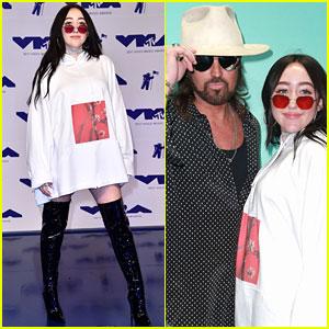 Noah Cyrus Hits MTV VMAs 2017, Meets Up with Dad on Purple Carpet!